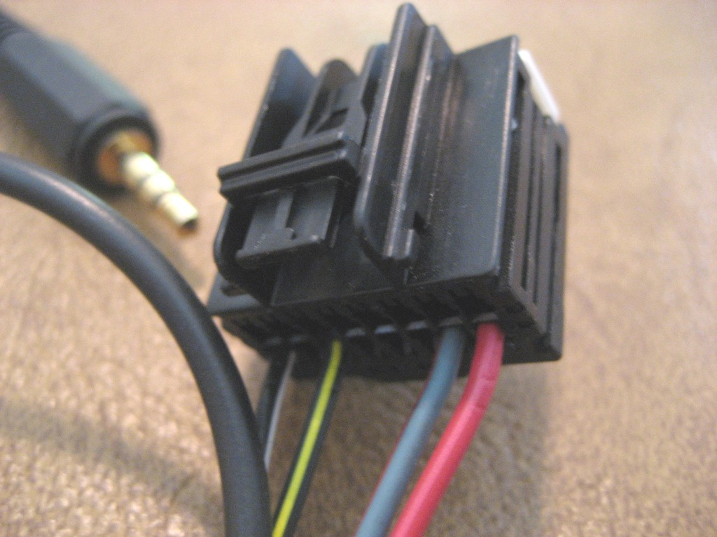 here is the new body harness connector that you plug your original xm receiver connector into