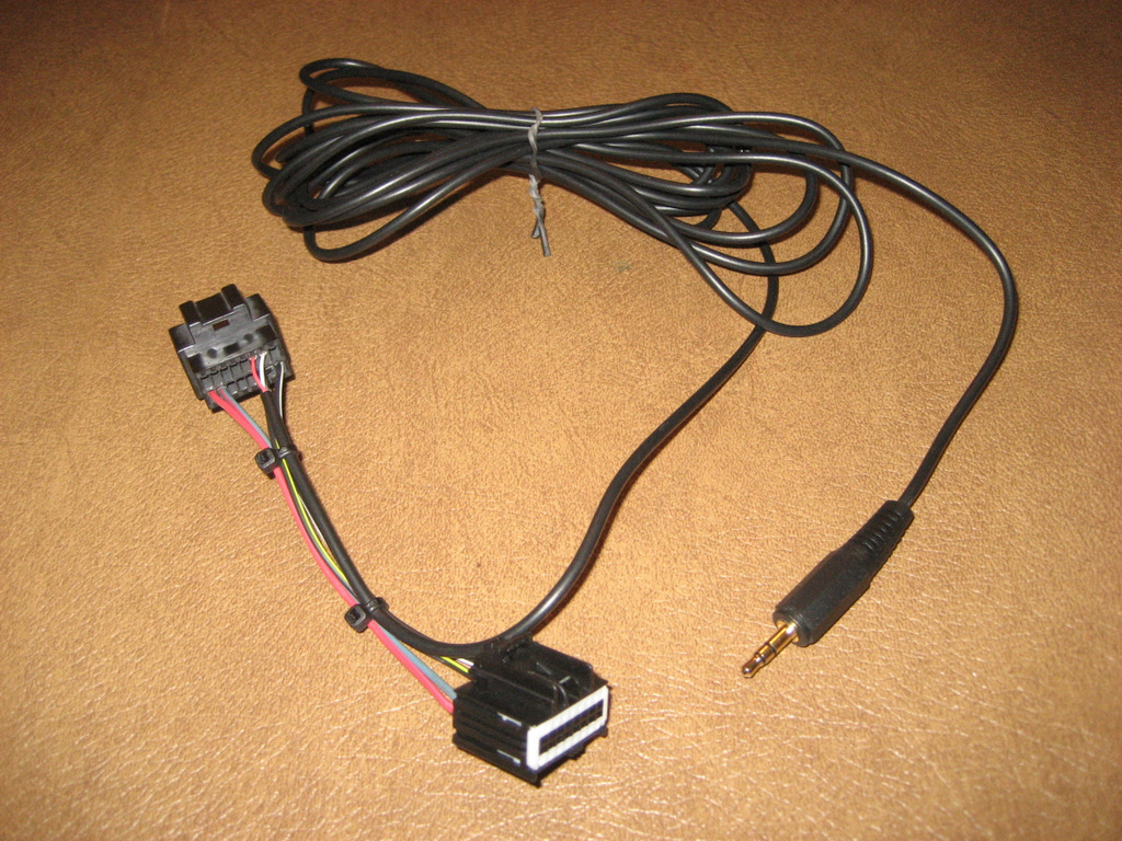 aux in harness $9 diy aux input for ipod for c6's with xm page 8 splice into wire harness at reclaimingppi.co