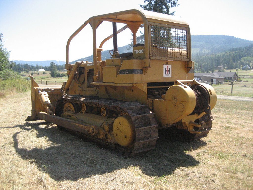 Here are lots more photos to show the condition of this dozer: