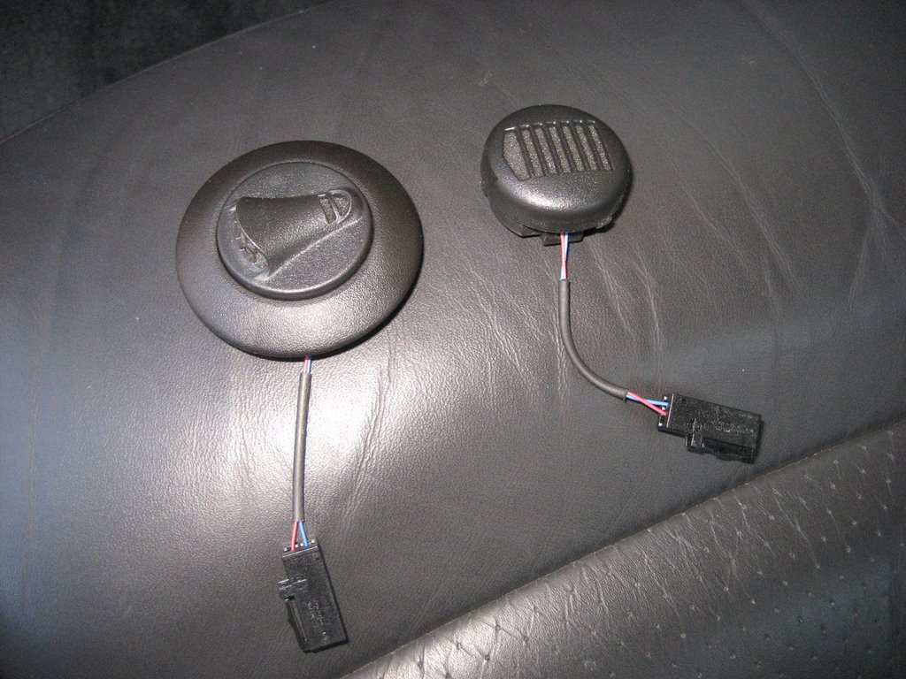 new mic in bezel oem bt onstar microphone wiring? chevy truck forum gm truck club Buick Onstar Rondervous Wiring-Diagram at gsmx.co